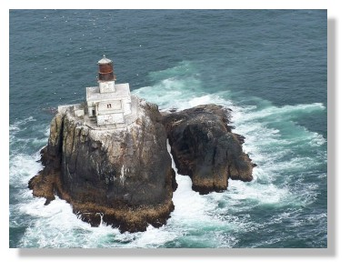 Cleft Of The Rock Lighthouse